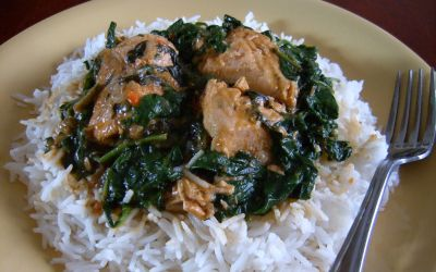 Salmon on rice with spinach